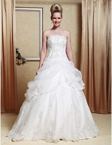A-line-Strapless-Scalloped-Edged-Neckline-Organza-Floor-length-Wedding-Dress--W90920-_fhkm1298283174431